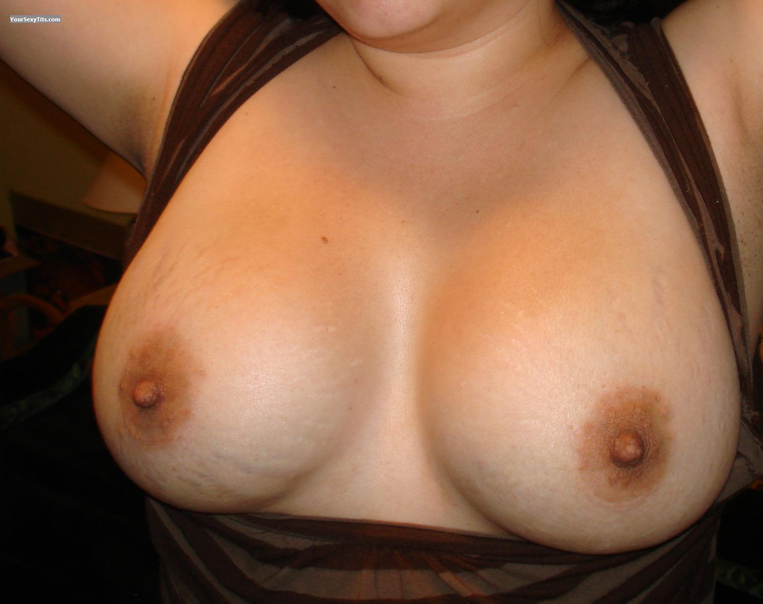 Medium Tits Of My Wife Perfect D's